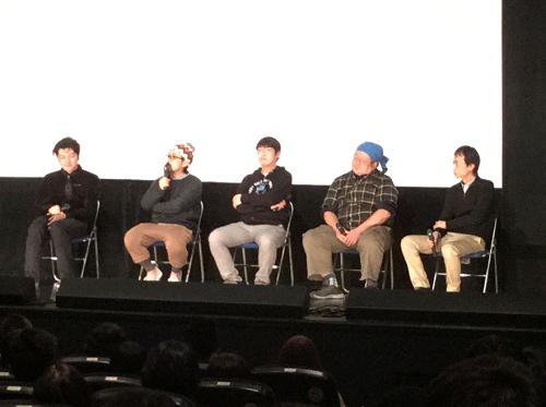 オールナイトでのトークショー。左から近藤カメラマン、山下監督、松江監督、 藤井照明技師、小川プロデューサー