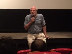 「マイケル・ケンナの北海道」について話すジャン・ユンカーマン監督